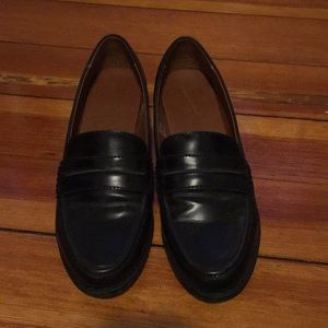 Universal Thread Loafers